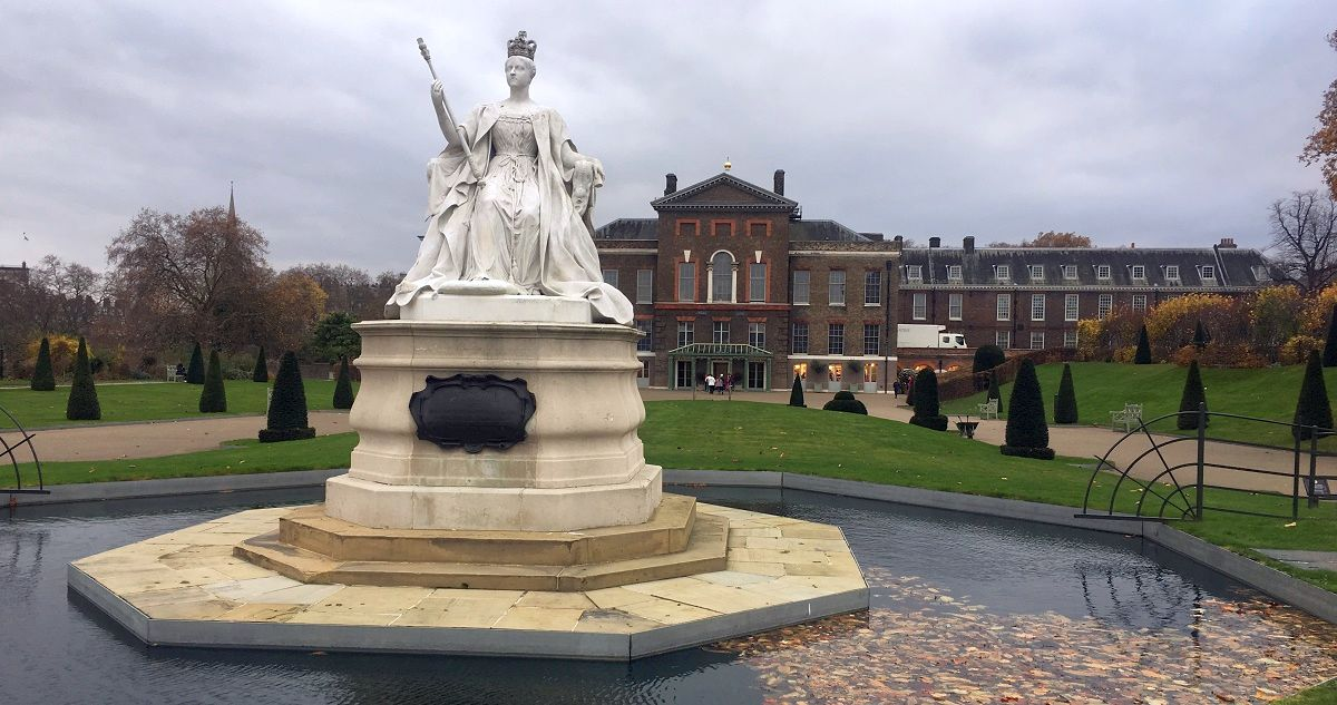 cleaning in Kensington palace